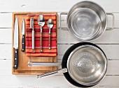 Kitchen utensils for making salmon