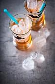Drink mit Aperol, Weisswein und Holundersirup