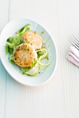 Salmon burgers with cucumber