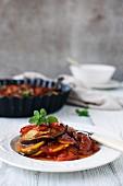 Ratatouille mit Auberginen, Zucchini und Tomaten