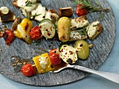 Oven-baked vegetable kebabs with yoghurt