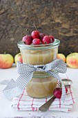 Apple sauce with small apples