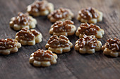 Butter cookies with walnuts