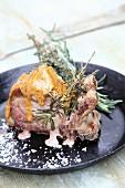 Kotelett vom Kräuterschwein mit Senf-Honig-Marinade