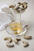 Quendel-Cracker und Tee