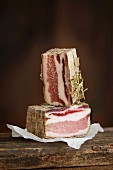 'Steccaza agli Aromi' pancetta from the family-run business Antica Macelleria Falorni from Greve, Italy
