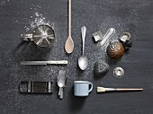 Old baking utensils (top view)
