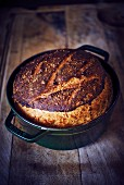 Brot im Cocotte-Topf gebacken
