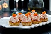 Canapés with prawns and caviar