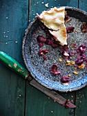 Ein Stück Traubenkuchen