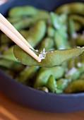 Steamed soybeans (edamame) with salt