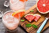 Cocktail mit Grapefruit