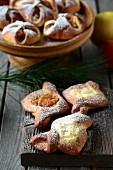 Quark parcels with icing sugar for Christmas
