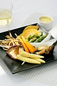 Gedämpftes Gemüse mit Orangensauce