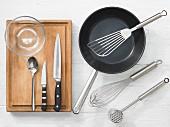 Küchenutensilien für die Zubereitung von Schnitzeln und Filets