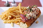 Lobster Roll mit Pommes Frites (USA)