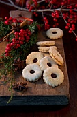 Hildabrötchen (German jam sandwich biscuits) and bunches of holly berries