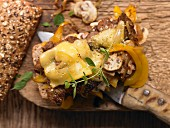Minute steaks with yellow pepper and onion