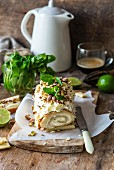 Swiss roll with lime, pistachos, white chocolate and mascarpone