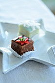 Two petit fours (Christmas)