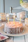 Zitronenkuchen mit Zitronenglasur zum Geburtstag