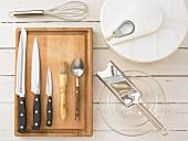 Kitchen utensils for making salads