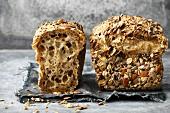 Steinzeit-Brot mit Kernen und Samen (Paleo)