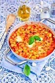 Gnocchi-Gratin mit Mozzarella und Tomatensauce