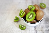 Kiwis in a bowl