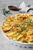 Potatoes au gratin with thyme