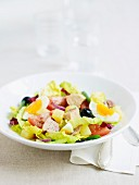 Salade niçoise with tuna