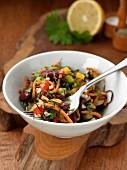 Algensalat mit Reis und Gemüse