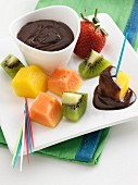 Fruit fondue with chocolate dipping sauce