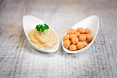 Houmous and dried chickpeas
