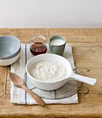 Porridge with milk and maple syrup