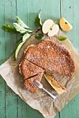 Apfel-Frangipane-Pie, angeschnitten