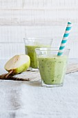 Avocado smoothies with pear