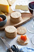 Oat cakes with cheeses and quince paste