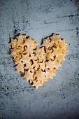 Herz aus Nudelsternen