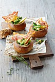 Appenzeller bread rolls: Baked buns filled with vegetables, pear and bacon