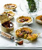 Mini quiches with mussels and chives