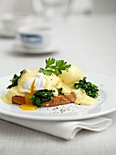 Eggs Benedict on toast