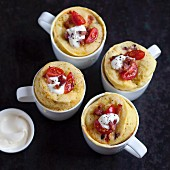 Savoury mug cakes with cherry tomatoes and bacon