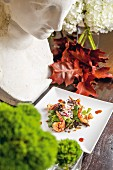 Salat mit Garnelen, in 'Belmond Villa San Michele', Florenz, Italien
