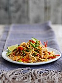 Singapore noodles with shrimps, pork and vegetables (China)