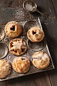 Kleine Mince Pies in Vintage-Backform