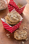 Oatmeal and nut biscuits