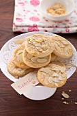 Sablés (biscuits with almond flakes)