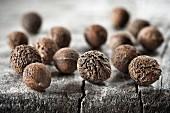 Pimentkörner (Nahaufnahme)