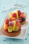 Tartlets with fresh fruit
